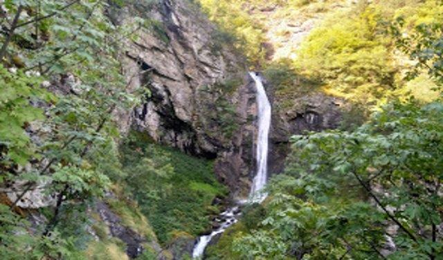 Ovcharchenski Waterfall (11 min.) <BR> (get there)